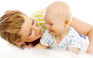 Каковы особенности воспитания ребенка до года?