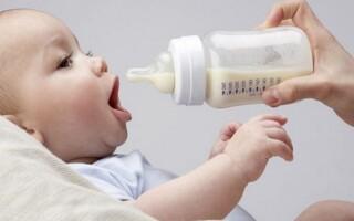 Сколько должен съедать новорожденный в первые дни жизни?