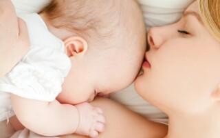 Метод «гнездования» при ГВ младенца