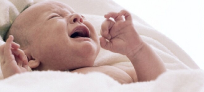Почему грудничок плачет во сне, не просыпаясь?