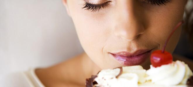 Через какое время еда попадает в грудное молоко?