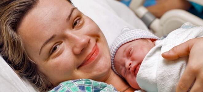 Как развивается ребенок на первом месяце жизни?
