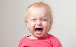 Как быть, если ребенок плачет перед тем, как пописать?