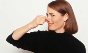 Повышенное газообразование — почему грудничок часто пукает?