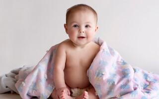 Развитие ребенка на шестом месяце жизни