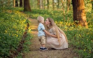 Прогулки родителей с детьми