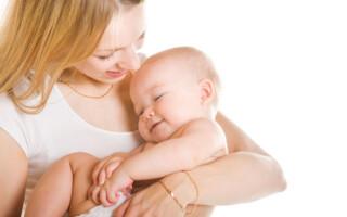 Как отучить грудного ребенка от рук?